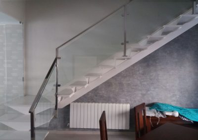Escaleras Acero Inox y cristal 02